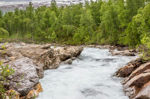 This river runs just outside Hemavan in Västerbotten county of northern Sweden.